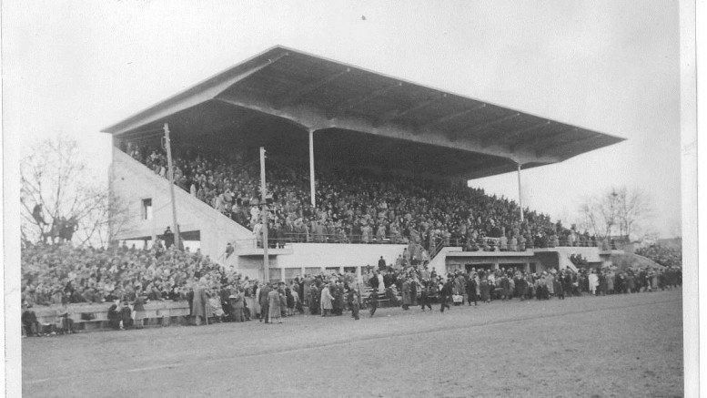Einweihung der neuen Haupttribüne im Ronhof 1951