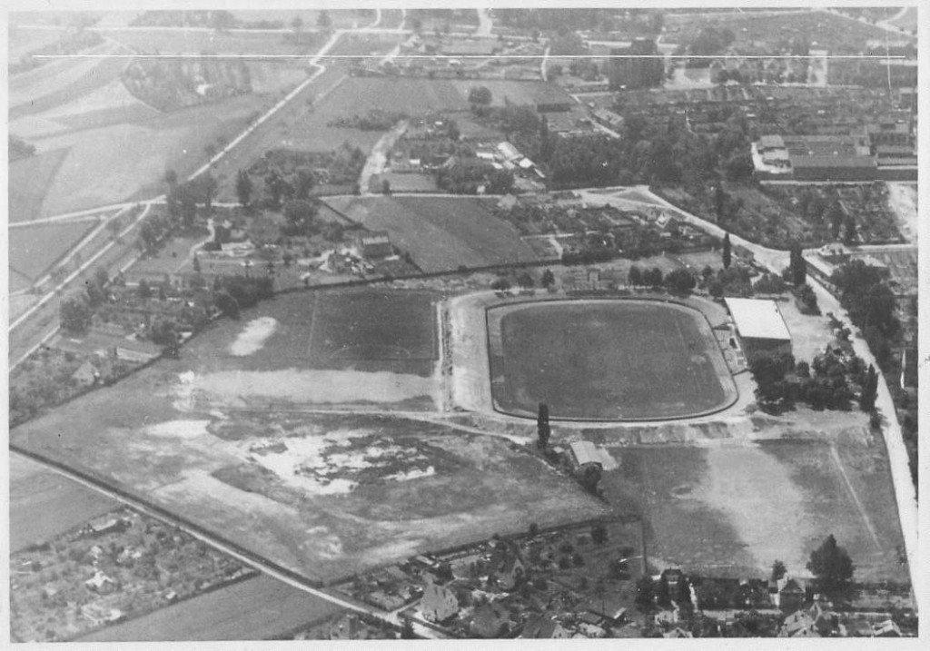 Luftaufnahme vom Ronhof im Juli 1951