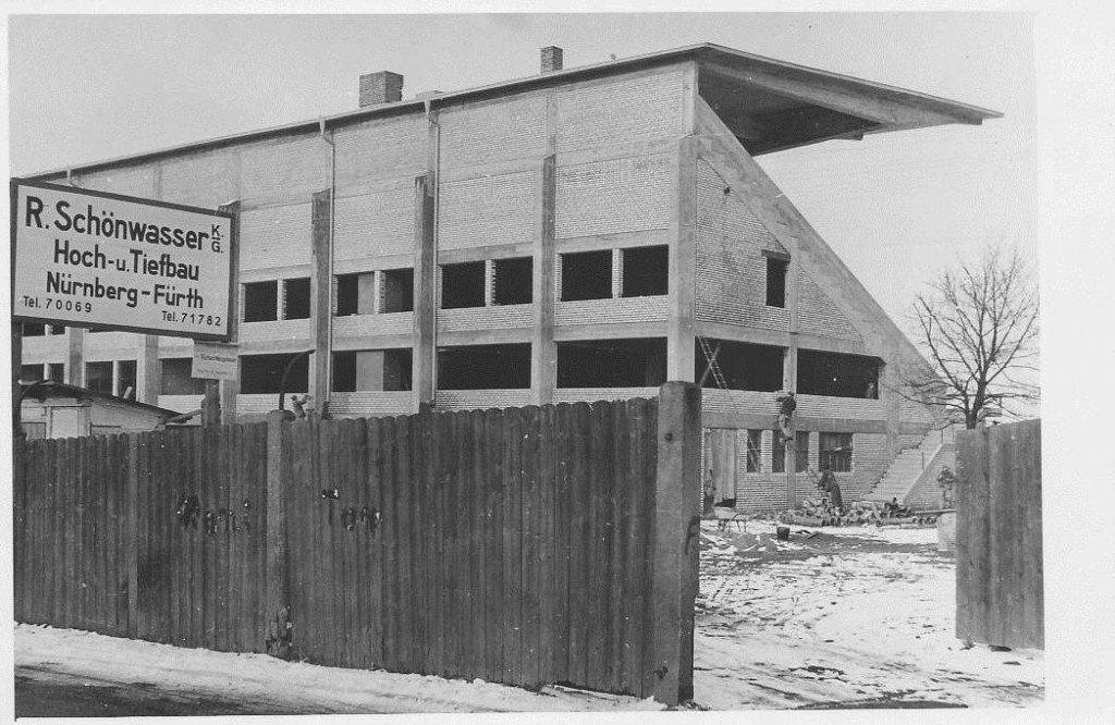 Richtfest der Tribüne im Ronhof am 18.12.1950